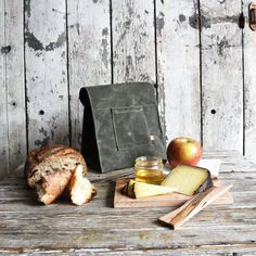 The Marlowe Lunchbag with Lunch Palette and Knife by by PegandAwl