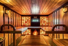 Парная с панно из гималайской соли Sauna Steam Room, Salt Room, Spa Interior, Spa Design, Wellness Spa, Good House, Indoor, Luxury, Sauna Ideas