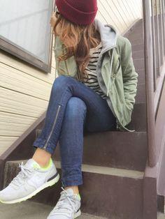 お気に入りのナイキのスニーカーをメインに撮りました(*ฅ´ω`ฅ*) カーキー×グレー×ボルドーの色合い大好きー♡