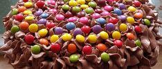 Barnevennlig sjokoladekake med sjokoladekrem med O'boy Eggs, Fruit, Breakfast, Food, Morning Coffee, Essen, Egg, Meals, Yemek