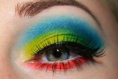 Enchanted Makeup: Urban Decay Electric Palette Look! Bright Eye Makeup, Subtle Makeup, Red Lip Makeup, Dramatic Makeup, Natural Makeup, New Makeup Ideas, Eye Makeup Tips, Smokey Eye Makeup, Eyeshadow Ideas