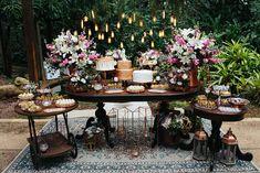 Trendy home decored rustic chic 50 Ideas Picnic Decorations, Boho Wedding Decorations, Candy Bar Decoracion, Bodas Boho Chic, Sweet Table Wedding, Cake Table, Wedding Desserts, Rustic Chic, Romantic Weddings