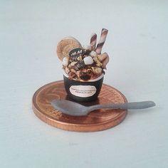 Miniature IceCream #miniatures#miniaturefood#food#dollhouseminiatures#sweet#icecream#delicious#fakefood#fimo#polymerclay#marshmallows#cookie#handmade#clay
