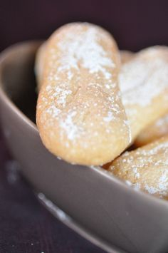 biscuits à la cuillère ( recette Michalak ) Bakery Recipes, Cooking Recipes, Desserts With Biscuits, Hot Dog Buns, Biscotti, Sweets, Bread, Baking, Alicante