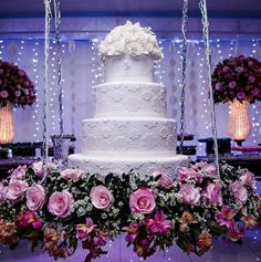 Cake wedding design rustic Ideas for 2019 Wedding Cake Stands, Amazing Wedding Cakes, Elegant Wedding Cakes, Wedding Cake Designs, Wedding Table, Cake Table Decorations, Wedding Decorations, Luxury Wedding Cake, Dream Wedding