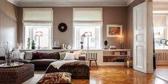 4. Сочетание цветов пол-стены потолок. Также оригинальная полка справа от окна, можно использовать в кабинете.