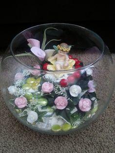arrangements inside the glass vase