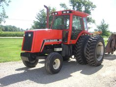 Allis-Chalmers 8030 Allis Chalmers Tractors, Classic Tractor, Old Tractors, Car Colors, Rubber Tires, Old Trucks, Custom Cars, Farming, Muscle