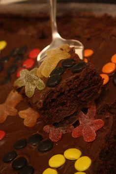 Saftig sjokoladekake i langpanne (recipe in Norwegian)