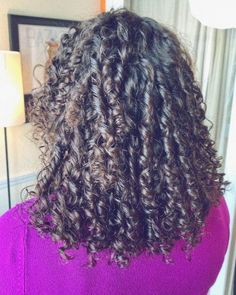 61 Finger Coils Hairstyles: A Guide To Wonerland - Hair Styles - Hair Style Ideas Black Women Short Hairstyles, Black Wedding Hairstyles, Bob Hairstyles With Bangs, Weave Hairstyles, Finger Coils Natural Hair, Coiling Natural Hair, Curly Hair Styles, Natural Hair Styles, Light Blue Hair