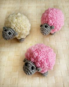 You will love this Crochet Bobble Stitch Pillow plus all the other cute Crochet Bobble Sheep Free Patterns that we have included. Crochet Sheep, Easter Crochet, Cute Crochet, Crochet Animals, Crochet For Kids, Crochet Toys, Crochet Baby, Knit Crochet, Crochet Things