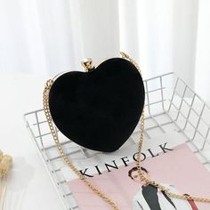 Womens Heart Shaped Diamonds Clutch Evening Bag - Heart Shaped Diamonds Clutch Evening Bags You are in the r - Fashion Handbags, Purses And Handbags, Fashion Bags, Fashion Top, Womens Fashion, Luxury Purses, Luxury Bags, Bag Sewing, Crossbody Clutch