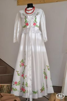 Wedding dress: folk costume from the region of Podhale, southern Poland [source].