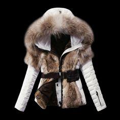 Image from http://g02.a.alicdn.com/kf/HTB1dkDTJXXXXXXDXVXXq6xXFXXXO/2015-new-Brand-DUCK-Down-Rabbit-Fur-Raccoon-fur-Jacket-hoody-genuine-ANIMAL-fur-Fashion-slim.jpg.