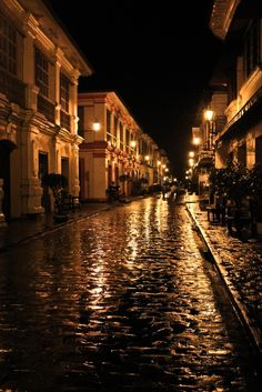 Calle Crisologo at Night Vigan Ilocos Sur, Philippines Ilocos Norte Philippines, Vigan Philippines, Manila Philippines, Philippines Travel, Perspective Photography, City Photography, City Aesthetic, Travel Aesthetic, Immaculate Conception Cathedral
