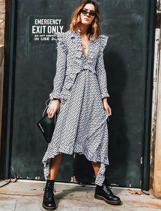 Robe mi-longue froufoutante + godillots = le bon mix (photo Holly Titheridge)