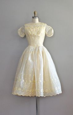 1950s dress / 50s dress / Cream Puff dress