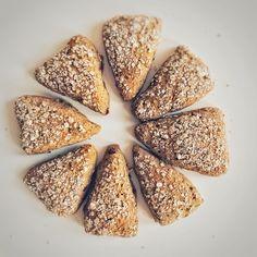 für das perfekte Frühstück Quinoa, Bread, Ethnic Recipes, Food, Glutenfree, Wheat Free Recipes, Perfect Breakfast, Brot, Essen
