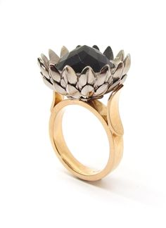 """white and red gold 'PROTEA"""" ring with rose cut Onyx. Red Gold, White Gold, International Jewelry, Unusual Jewelry, Coco Chanel, Opal, Gemstone Rings, Fashion Accessories, Jewelry Design"""
