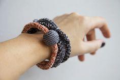 Coal and Terracotta Snake necklace | borinanai