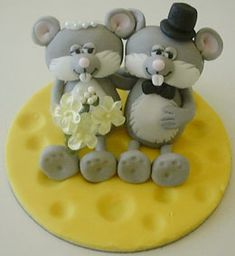 imaginativeicing: How to make Bride and Groom Mice in Icing