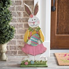 Charm your Easter guests in beautiful bunny sweetness with our Girl Bunny With Easter Egg Sign. Smiling facial features make this a fantastic Easter staple. Hoppy Easter, Easter Bunny, Easter Eggs, Easter Projects, Easter Crafts, Easter Decor, Spring Crafts, Holiday Crafts, D N Angel