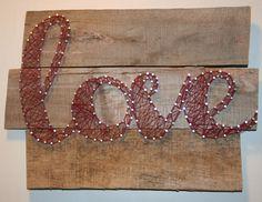 Love this idea! Nail and yarn DIY wall art! Super easy and lots of fun :) Cute Crafts, Crafts To Make, Arts And Crafts, Diy Wall Art, Diy Art, Photo Main, Nail String Art, Art Yarn, Art Deco