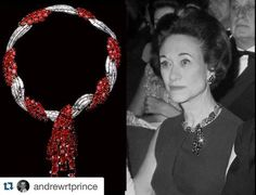 ・・・ The Duchess of Windsor wearing her Cartier ruby starburst earrings and the superb ruby and diamond tassel twist necklace from Van Cleef Wallis Simpson, Cartier, Michelle Mercier, Royal Jewelry, Nice Jewelry, Starburst Earrings, Tiaras And Crowns, Crown Jewels, Windsor