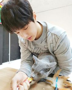 Myungsoo with Byeol.