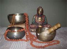 What are sessions like? Sessions last one hour and take place fully clothed on a mat on the floor. Bowls are placed and played all around your body, head and on your charkras(energy centers). Clients are asked to wear comfortable clothing without buttons, zippers or jewelry. After the session you are offered a refreshing drink before you go home.