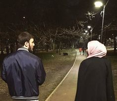 Muslim Family, Muslim Girls, Muslim Couples, Cute Couples Goals, Couple Goals, Adorable Couples, Best Love Wallpaper, Muslim Couple Quotes, Muslim Couple Photography