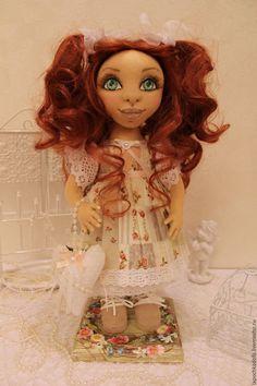 Текстильная коллекционная интерьерная кукла Аллочка. Автор Надежда Лисицина Dolls, Disney Princess, Disney Characters, Baby Dolls, Puppet, Doll, Baby, Disney Princesses, Disney Princes