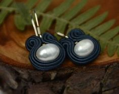 Soutache artisian jewelry with natural pearls. by GosiaRybicka