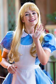 Disneyland // Alice In Wonderland