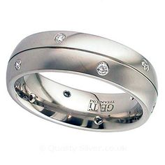 Geti Titanium Split Diamond Ring. Titanium & Diamond Wedding Rings.