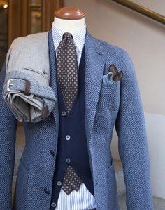 - suavebynature: That Jacket!Pictoturo - suavebynature: That Jacket! Gentleman Mode, Gentleman Style, Mens Fashion Suits, Mens Suits, Stylish Men, Men Casual, Moda Men, Suit Accessories, Elegant Man
