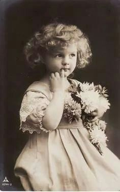 Vintage Girl From 1910 !!