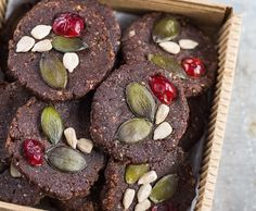 Raw chocolate plates with cranberries – no added sugar and gluten free!