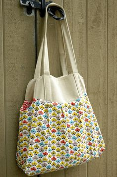Showoff Bag - Pattern by Made by Rae by emmmylizzzy, via Flickr