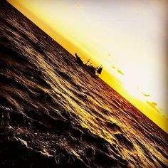 【ta1986ya】さんのInstagramをピンしています。 《Sunset🌅 年明けてからワカサギしか釣ってないからジギングしたくて無駄にルアーばっかり買ってしまう😅 釣り行ってたほうがエコ‼️w #ジギング#Sunset#夕暮れ#日没#夕日#fishing#海#sea#ルアーはコレクションなり》