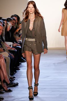 Belstaff Spring 2013 RTW - Review - Fashion Week - Runway, Fashion Shows and Collections - Vogue - Vogue