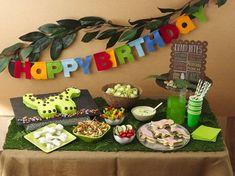 How to throw a dinosaur birthday party #BettyBirthdays #BabyCenterBlog