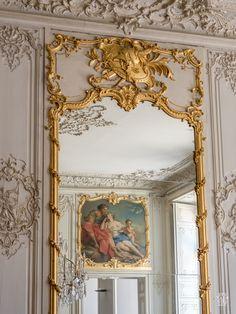 © Sylvain Collet.jpg   Chambre du Prince. Jeux de glaces et de miroirs, Aurore et Céphale par Boucher.