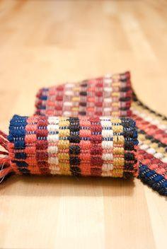 Tappeto tessuto a mano in lana. su ordinazione di TheWovenSheep