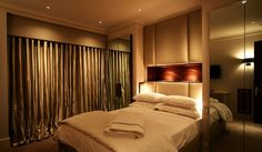 Interesting Bedside Lighting Ideas To Use In Your Bedroom 14