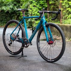 "C2CX #cyclocross with extrafat #roadplus 27,5"" #surlyknard tires in 40 mm, #sramrival 1 and Jade special painting - #crossiscoming #crossishere #vpacebikes #fortheladies (hier: VPACE Bikes)"