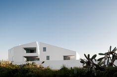 House in Possanco. Firm: ARX Arquitectos; location: Alcácer do Sal, Setúbal, Portugal; year: 2009