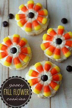 Delicious Gooey Fall Flower Cookies { lilluna.com }  ☀CQ #thanksgiving #sweets  http://www.pinterest.com/CoronaQueen/give-thanks/