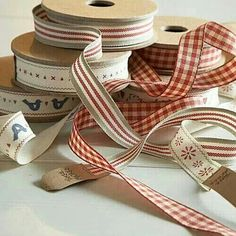Red and taupe ribbon