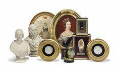 A GROUP OF QUEEN VICTORIA MEMORABILIA INCLUDING A TORTOISESHELL AND A CORAL BANGLE AND A SHOE  MID-19TH CENTURY